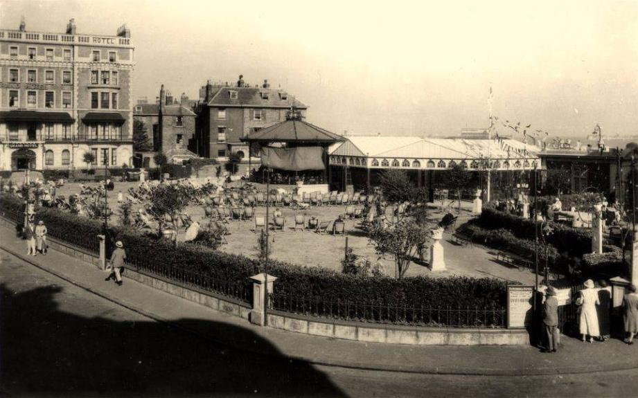 Granville Gardens, 1933