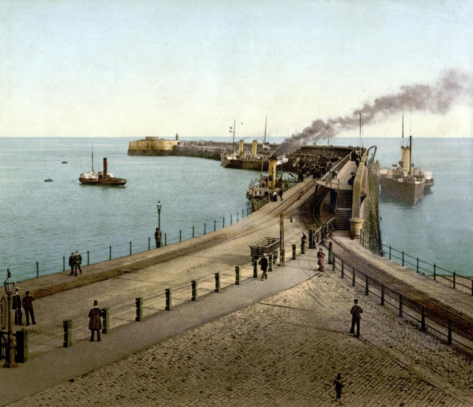 Admiralty Pier, 1895