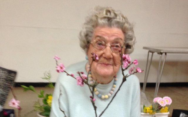 Dover floral expert Gladys Ray dies at the age of 100
