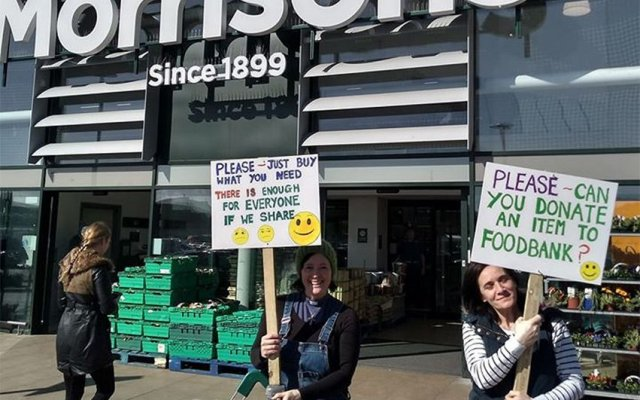 Shoppers show support for Foodbank at town centre supermarket